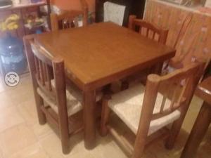 Comedor cuatro sillas de madera