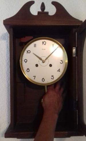 Antiguo Reloj de Pared Besser