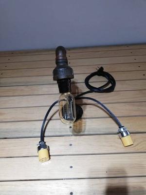 Bonitas lámparas vintage de bombillas con filamentos.