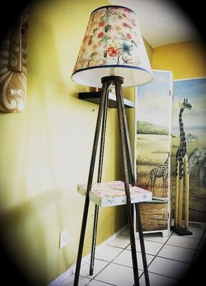 Lámpara de Pie Floral