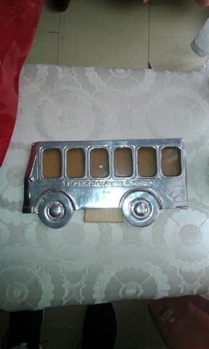 Porta retrato de camion escolar...$200