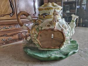 Portavelas fabricado en porcelana con forma de casa de hadas