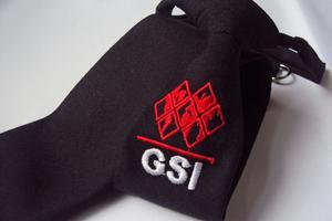 Corbata para caballero con logotipo bordado