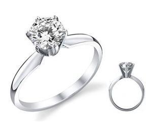 Anillo Con Diamante Cultivado De 50 Pts. En Oro De 14k.