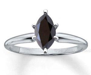 Anillo Con Diamante Negro Natural De.50 Cts. En Oro De 14k.