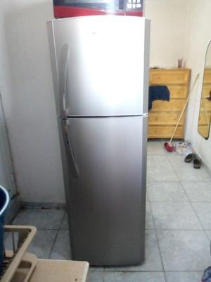 Refrigerador Mabe de 10 pies, poco uso, excelente