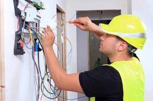 Trabajos de electricidad, plomeria e instalacion y