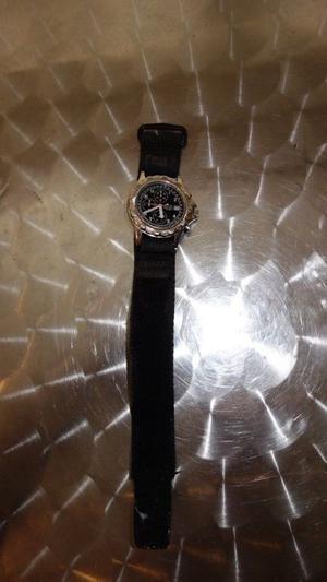 reloj japones marca Lotus de cuarzo usado, en $645.- jala al