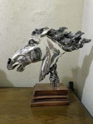 Cabeza De Caballo Modelado Por Ricardo Del Rio Edi Limitada