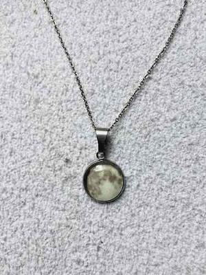 Collar O Pulsera Luna Brilla Obscuridad Acero Inoxidable