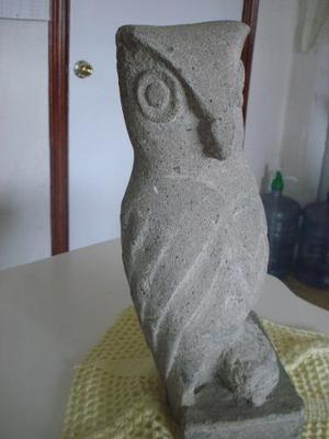 Escultura De Búho De Piedra De Cantera