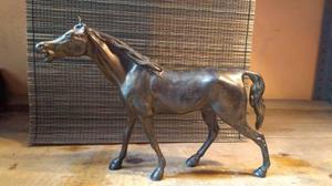 Escultura De Caballo De Fierro Colado Acabado Tipo Bronce