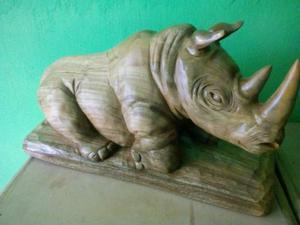Escultura De Rinoceronte 40 Cm,talla En Madera(por Encargo)