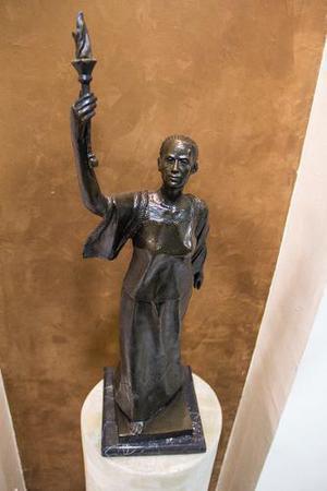 Escultura En Bronce Alegoría De La Verdad - La Corregidora