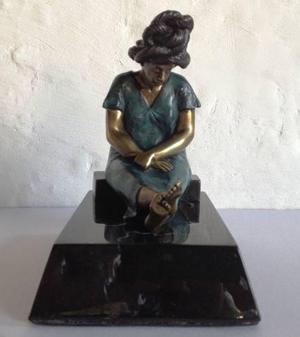 Escultura Mujer Indígena, Hecha De Bronce, Base De Mármo