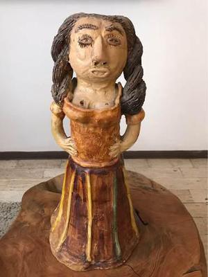 Figura De Cerámica Muñeca De Dolores Porras. Firmada