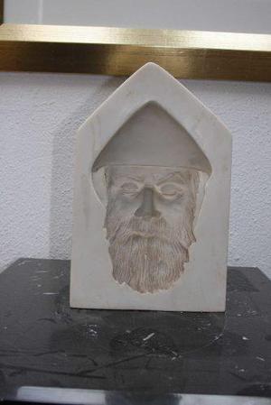 Impresionante Escultura De San Charbel