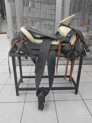 Montura Charra O Silla Para Caballo De Piel Negro/negro