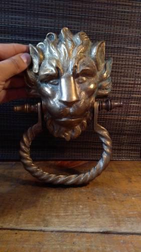 Precioso Llamador De Puerta En Forma De León De Bronce