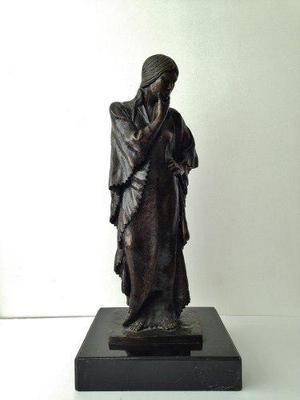 Victor Hugo Castañeda. Escultura De Bronce. Firmada