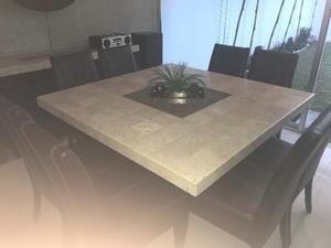 Comedor de Mármol con 8 sillas en piel color chocolate y