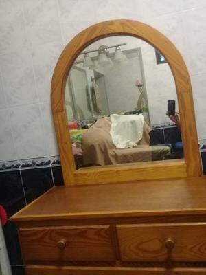Comoda de Madera con espejo