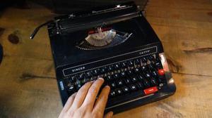 Máquina De Escribir Portátil Super Ligera Singer