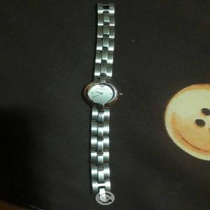 Remato hermoso reloj Emporio Armani
