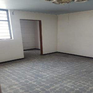 Se renta oficina en Av Gustavo Baz, excelente ubicación, 90