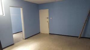 Se renta oficina sobre Av. Gustavo Baz, 45 metros cuadrados.