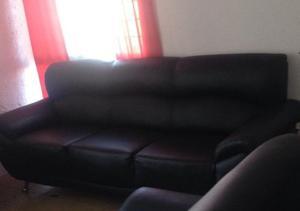 sillón grande minimalista