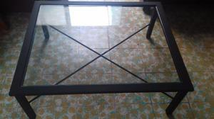 Mesa de centro grande con vidrio templado
