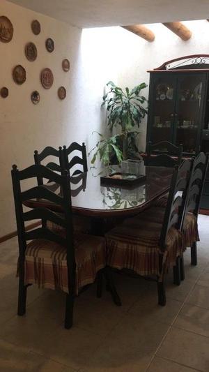 Vendo mesa comedor con 6 sillas