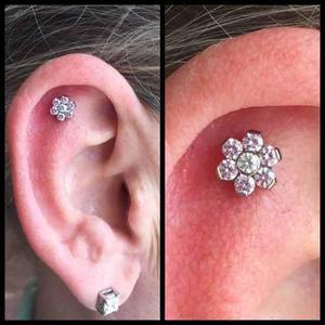 Arete Piercing Titanio Flor Swarovsky Cartilago Envio Gratis