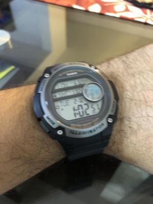 Reloj casio illuminator world time alarmas cronometró timer
