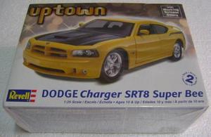 Auto Dodge Charger Srt8 Super Bee Revell E.1/25 Envío