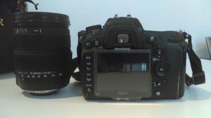 Cámara Nikon D con equipo