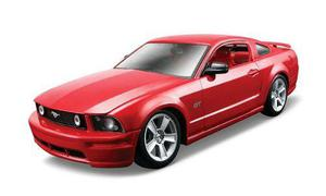 Maisto Die Cast Escala 1:24 Red 2006 Ford Mustang Gt