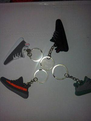 Llavero adidas Yeezy Boost 350