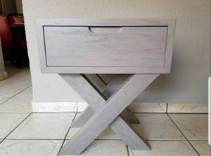 Buró de madera color gris