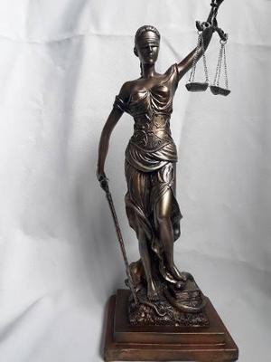 Escultura Diosa De La Justicia De 45 Cm
