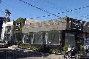 Local Comercial de 50 Mts2 en Esquina De Ave. Sebastian