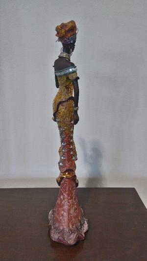 Figura Decorativa AFRICAN LADY Modelo