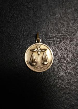 Dije oro libra balanza trebol 4 hojas 13 cambio