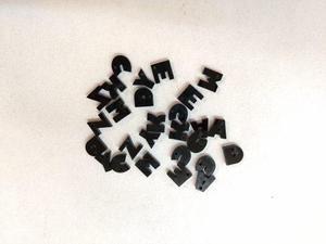 Letras De 1 Cm En Acrilico En Negro 3mm Espesor