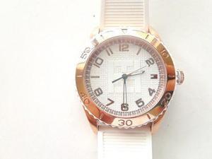 Reloj Tommy Hilfiger De Esfera Blanca, Correa De Caucho
