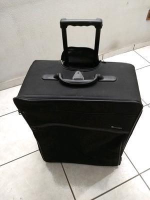 maleta para viaje, grande, medida 78X52 cm. perfecto estado,