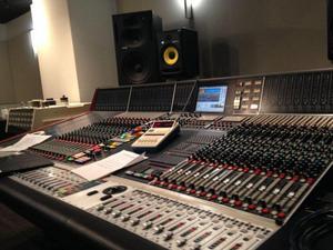 Behringer X32 Yamaha Soundcraft PreSonus Midas Allen & Heath