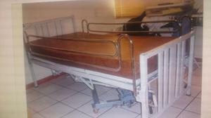 Cama de Hospital con Colchon Forrado y Colchoneta antillagas