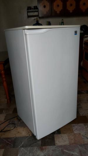 Refrigerador IEM de 7 pies